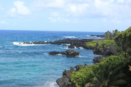 Wai'anapanapa State Park: northern part of the bay where the beach is