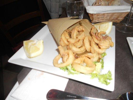 La Bella Napoli: il frittura di calamari non poteva essere migliore.