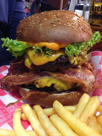 Barba-Rossa Beach Bar: Fat Elvis Burguer