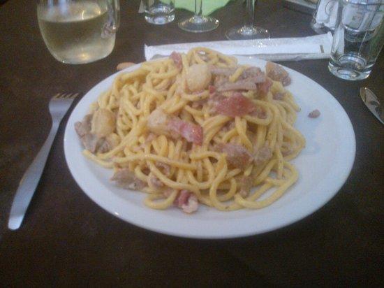 Trattoria Alla Rocca : imponente e gustoso piatto di bigoli