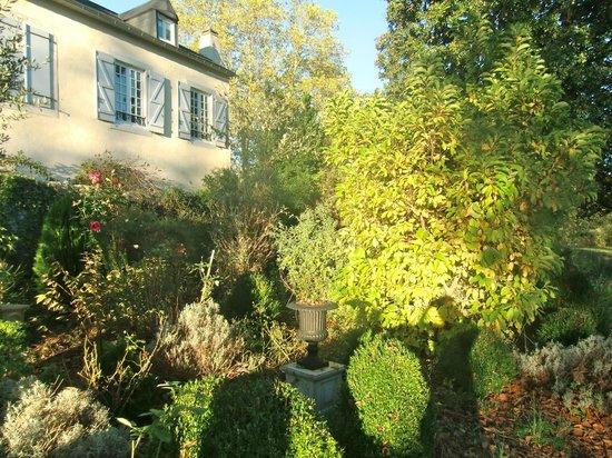 Chateau de Lamothe : Chateau gardens