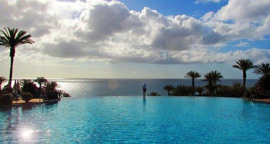 Hotel infinity pool  Infinity pool - Bild von R2 Rio Calma Hotel & Spa & Conference ...