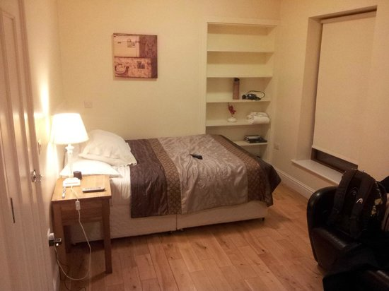 College View Apartments: good bed