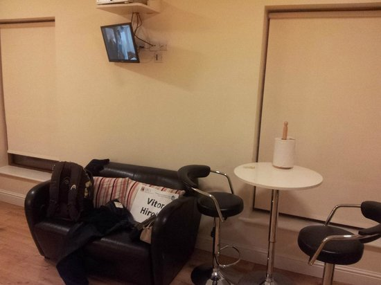 College View Apartments : small lcd tv