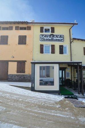 Taverna Castelluccio: 3) la Taverna