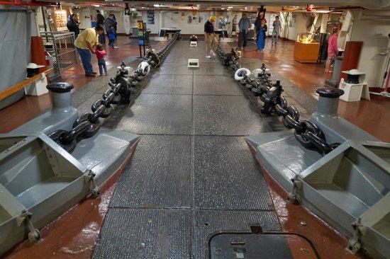 Musée de l'USS Midway : Anclas