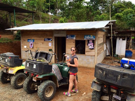 Diamante Verde Tours: Stop for cold drink and coffee