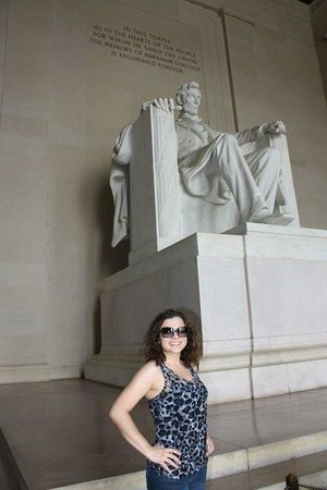 Lincoln Memorial: Great monument. The sheer size of it is amazing!