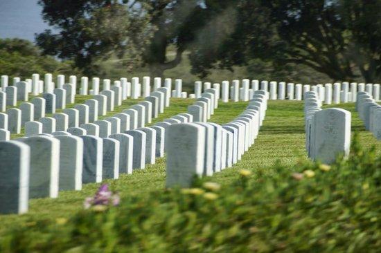 Fort Rosecrans Cemetery : Cementerio