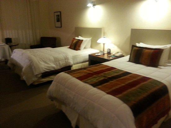 Punta Del Este Resort & Spa: Comfortable room good bed