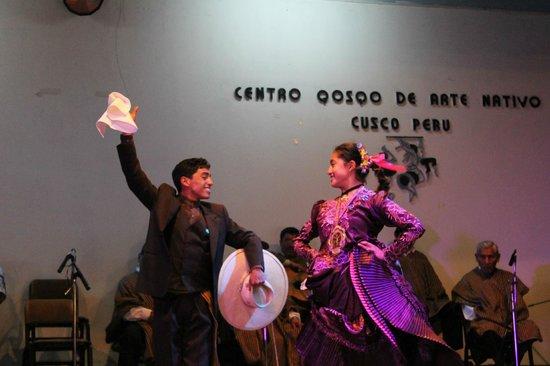 Centro Qosqo de Arte Nativo: Dança tradicional
