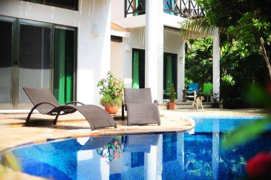 Casa Jacqueline: Pool Area