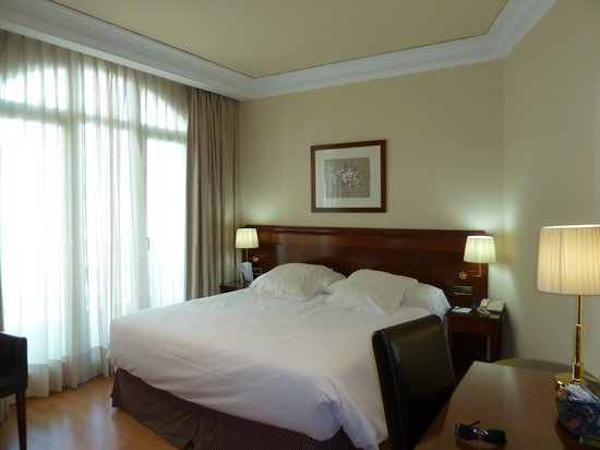 Melia Plaza: Room
