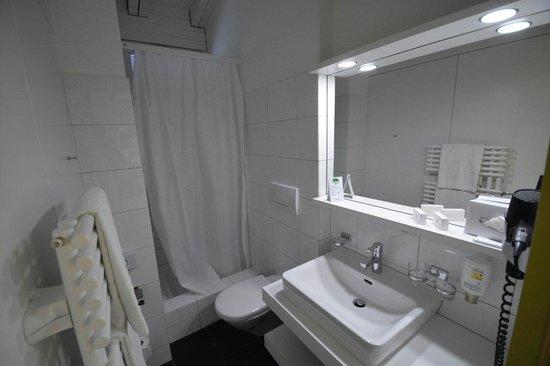 Hotel Sommerau : Salle douche
