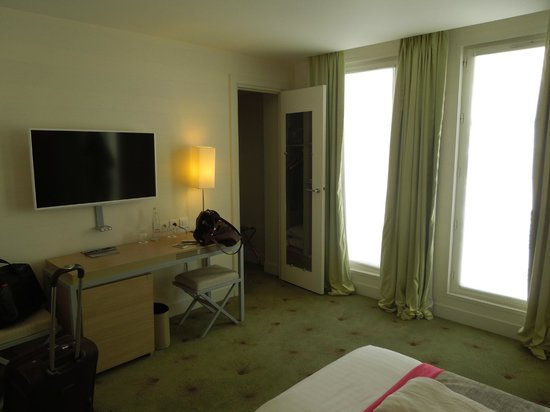 Le Marceau Bastille Hotel: Room