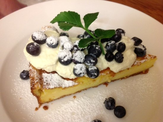 Kippilaw House: New York style baked cheesecake