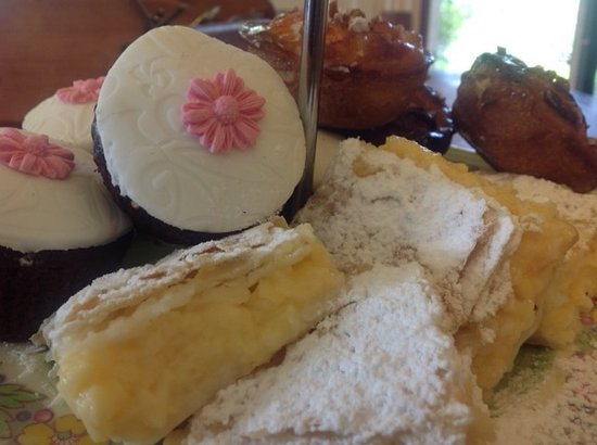 Kippilaw House: afternoon tea plate