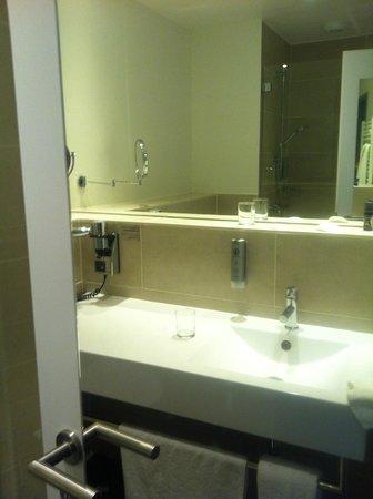 Novum Winters Hotel Checkpoint Charlie: banheiro