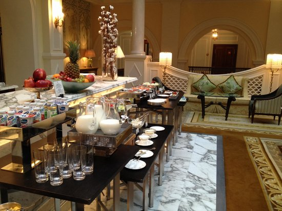 Four Seasons Hotel Lion Palace St. Petersburg: Breakfast Buffet