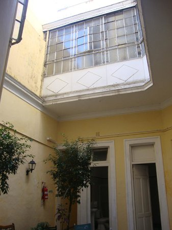 Hotel Bolivar: Patio primer piso