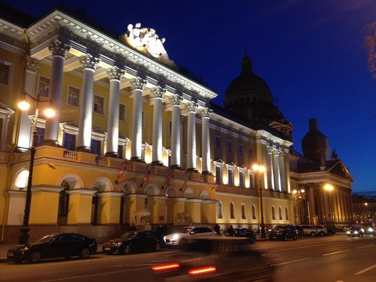 Four Seasons Hotel Lion Palace St. Petersburg: Just ... stunning