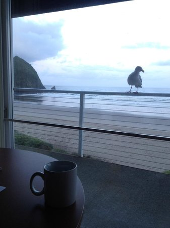 Hallmark Resort Cannon Beach : Every morning for coffee....