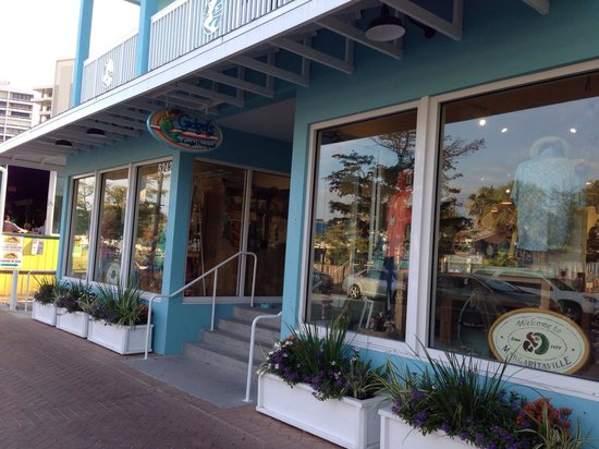 Siesta Key Village: Great little shops like Gidgets line the streets