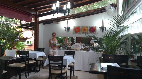 Aratinga Inn: Disfrutando del desayuno