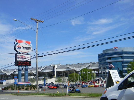 Entrance picture of charlotte motor speedway concord for Charlotte motor speedway driving experience