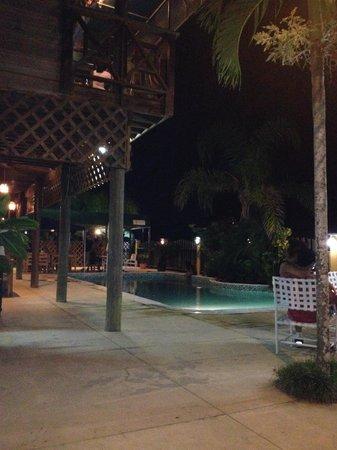 Hotel Capitan Beach: Vista de hotel