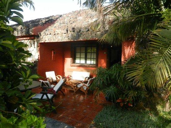 Casas de Piedra - Finca Punta del Lomo: The outside of our cottage