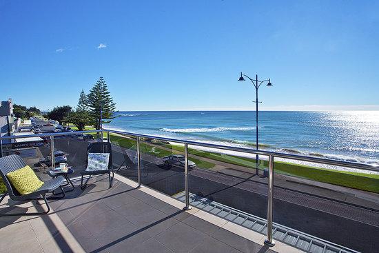 Penguin Waterfront Escape: Views balcony of Unit 1 Looking West
