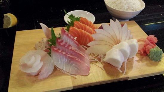 blue fin: Deluxe sashimi dinner
