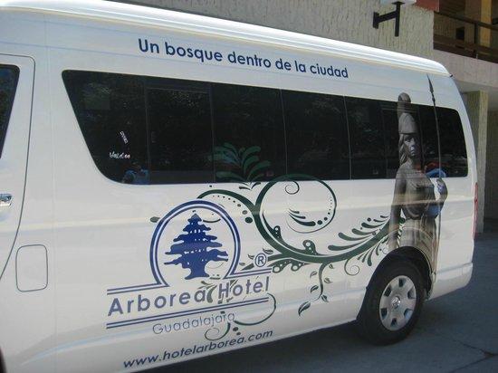 Arborea Hotel: Camioneta tipo Van para transporte exclusico  de nuestros huespedes