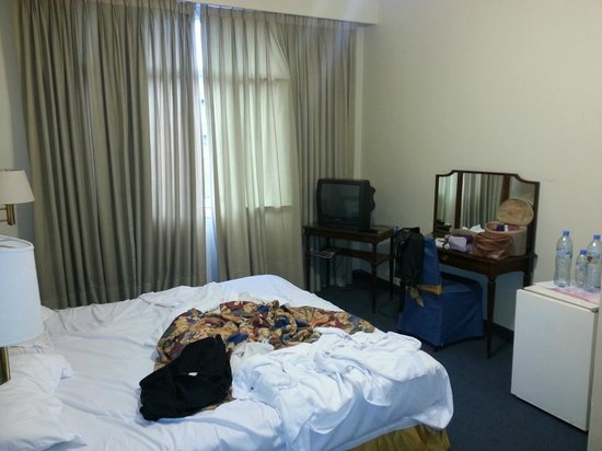 Regis Orho Hotel: Quarto