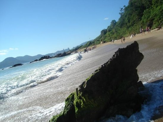Buraco Beach: BC ao fundo