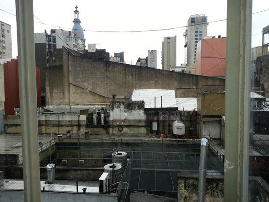 Regis Orho Hotel: Vista da janela do quarto