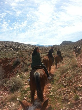 Red Cliffs Lodge: On site horse back riding.  Very fun!