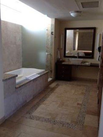 Cabo Villas Beach Resort: bathroom