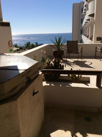 Cabo Villas Beach Resort: balcony with jacuzzi and a view