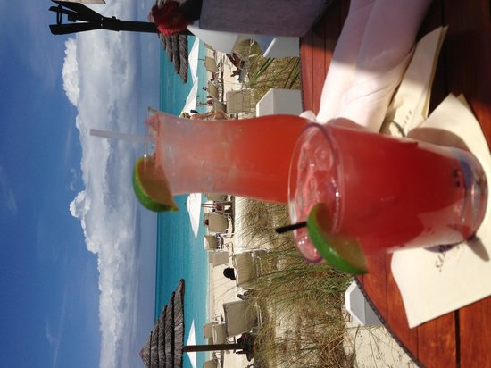 Seven Stars Resort & Spa: Watermelon margarita and a Grace Bay Iced Tea at The Deck