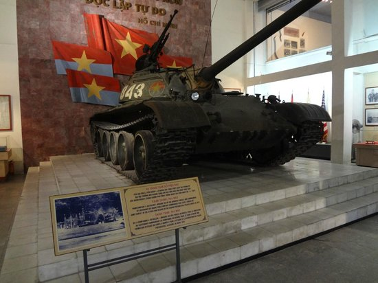 Museo de Historia Militar de Vietnam: Tank used to capture the presidential palace in Saigon - 1975