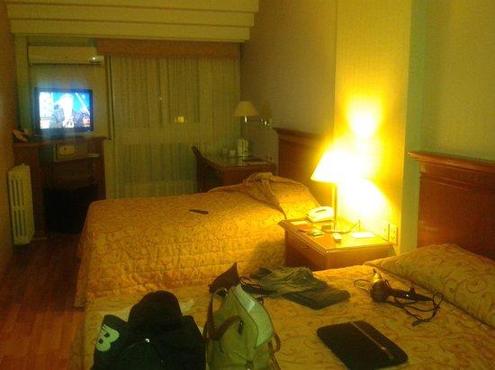 Hotel Solans Riviera: Habitacion