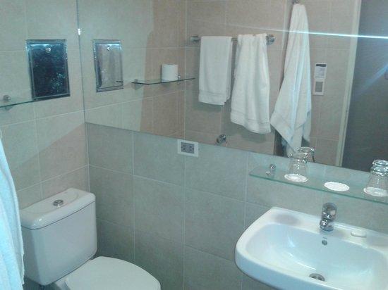 Hotel Solans Riviera: Baño