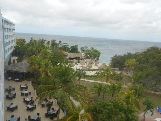 Hilton Curacao: Vista del hotel desde mi habitación