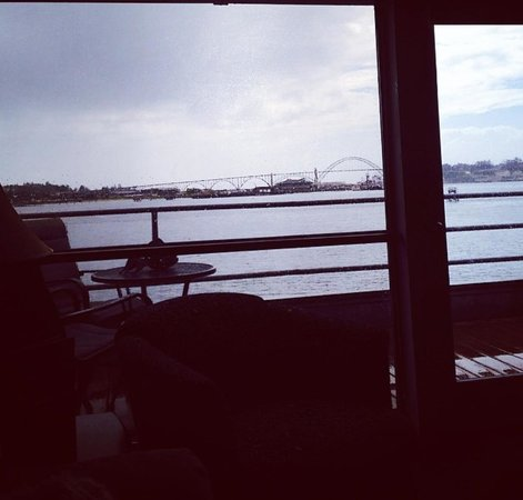 Embarcadero Resort Hotel: Premium Bayfront Suite. In love!