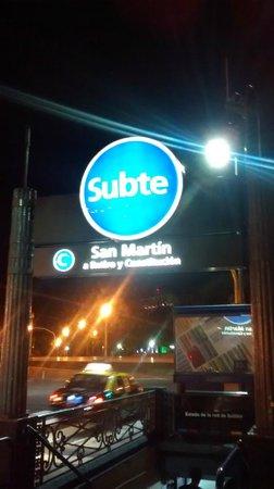 NH Buenos Aires Crillón: SUBTE (Metro) General San Martin a 20 mts do Hotel