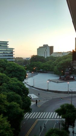 NH Buenos Aires Crillón: Vista Apartamento