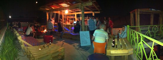 Jungle Party Hostal Club & Restaurant: Fired up!!