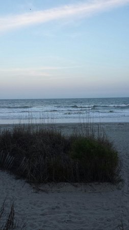 Hampton Inn & Suites Myrtle Beach/Oceanfront: Beach